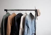 Hanging clothes closet